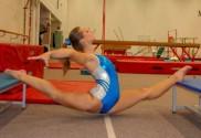 front-splits-gymnastics